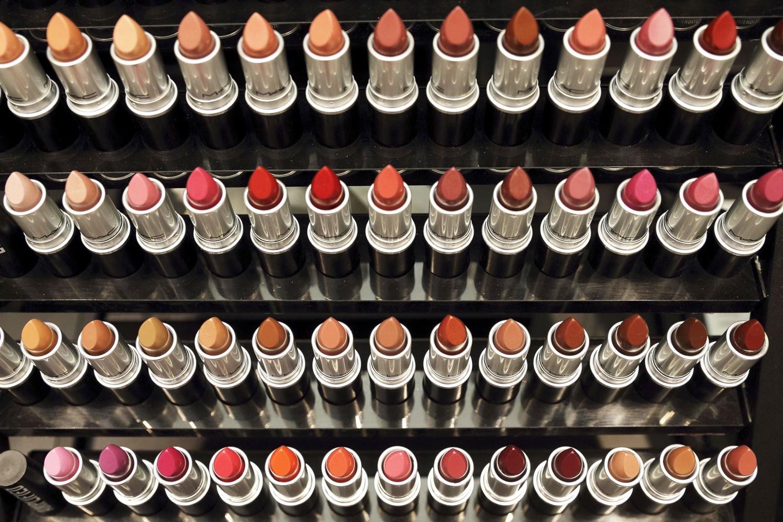 Closed Mac Lipstick Giveaway